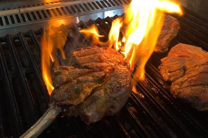 Chọn mức nướng nào để beef steak mềm thơm và không mất nước?